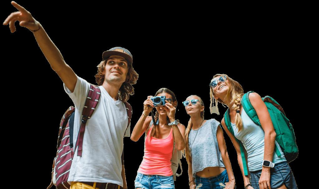 Młodzi ludzie na wycieczce